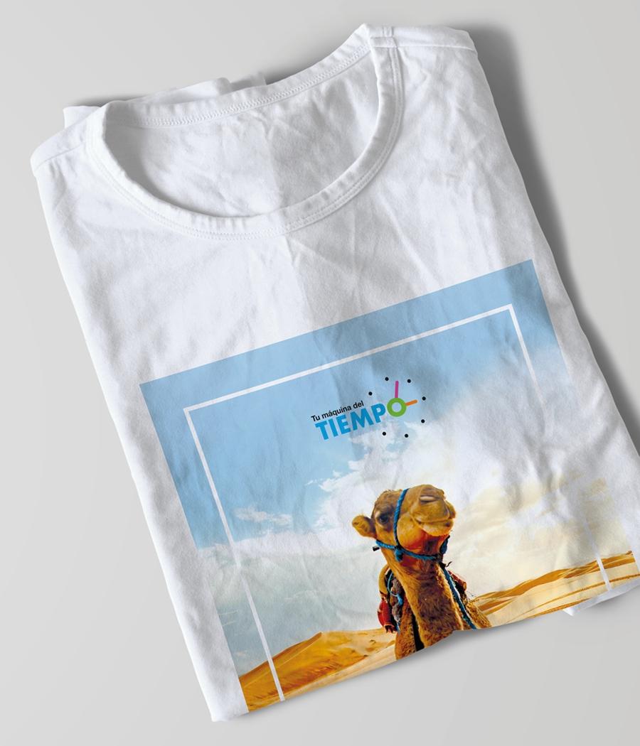Creación de un welcome-pack Orange para «Tu máquina del tiempo» para los participantes de una experiencia en el desierto de Marrakech.